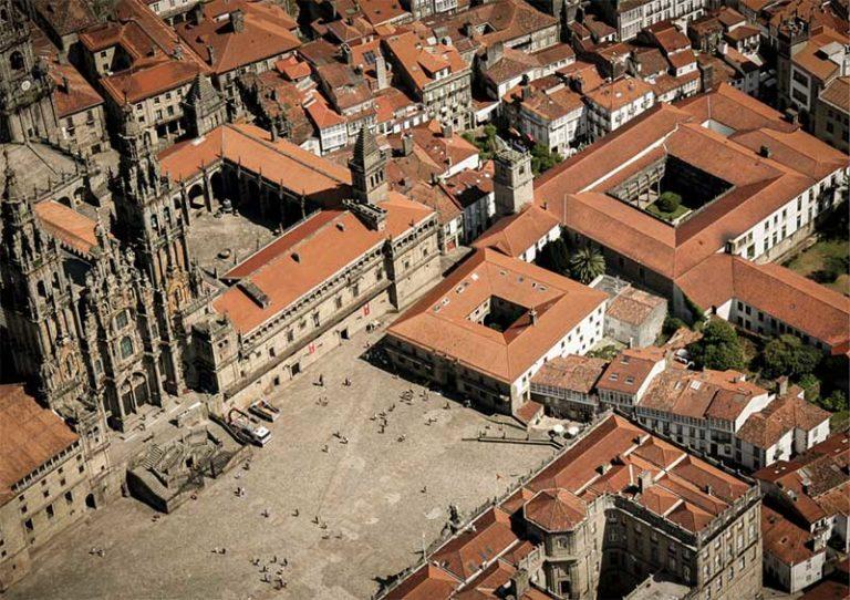Plaza-del-Obradoiro,-en-Santiago-de-Compostela